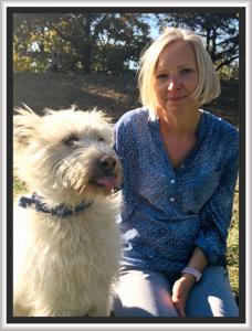 Ewa z psem Rikkim w parku
